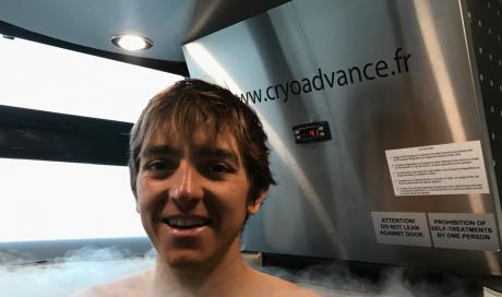Xavier Thevenard triple vainqueur de l'UTMB en séance de cryothérapie corps entier chez Cryo ADVANCE Lyon 7