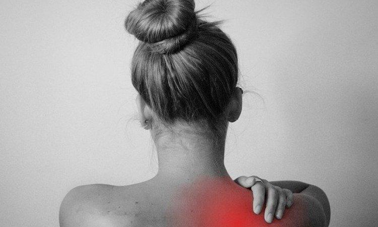comment éviter les douleurs musculaires aux épaules à Lyon bourgoin jallieu et annecy