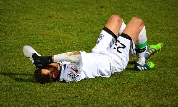 blessure au foot douleurs à l'arrière de la cuisse aux iscios jambier contractures musculaires et douleurs musculaires à lyon bourgoin jallieu et annecy
