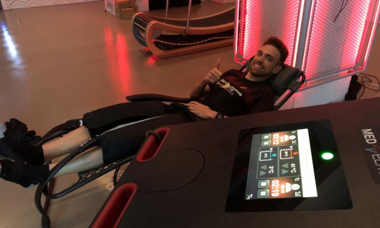 séance de pressotherapie pour les fontrunner de la team asics par CRYO Advance